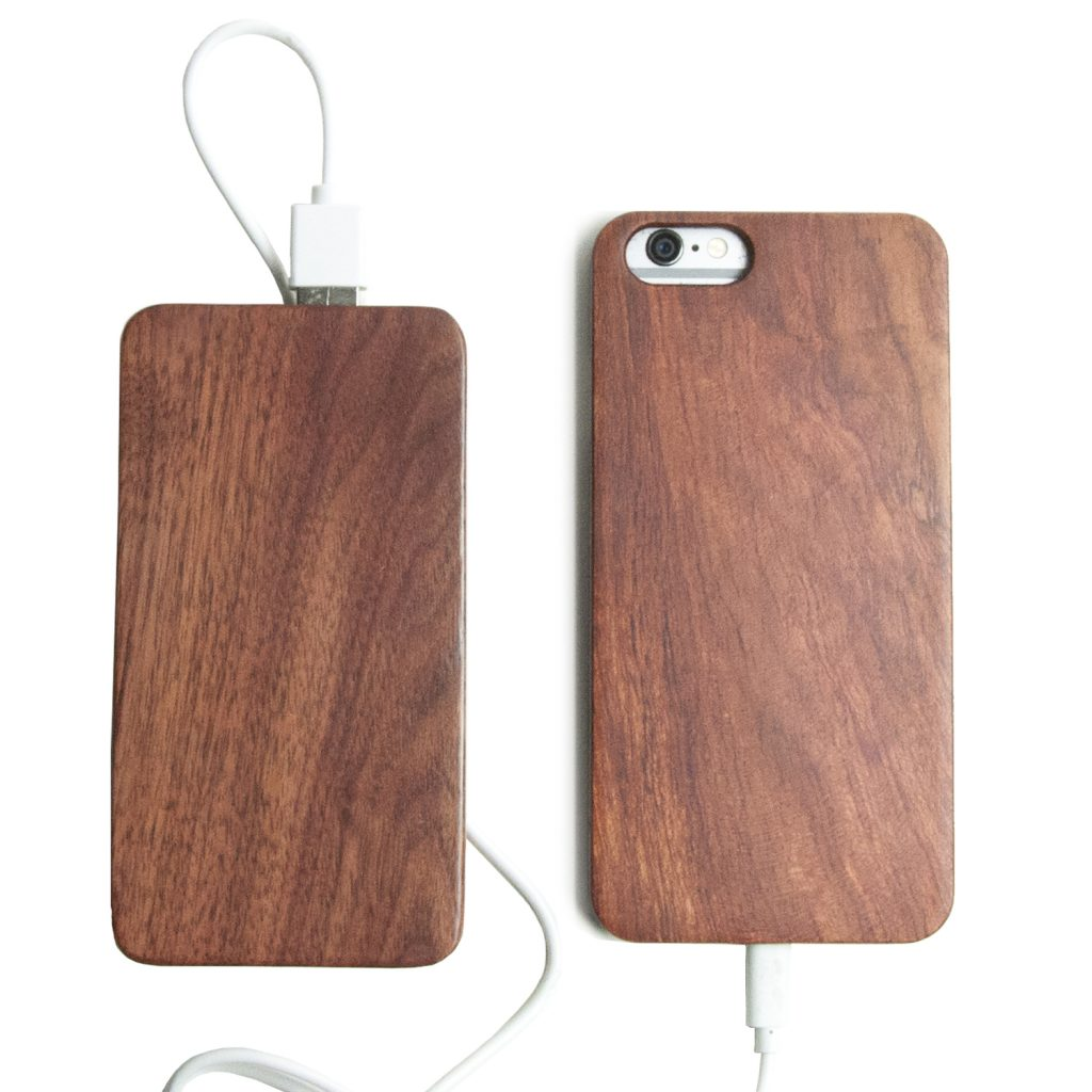 Wooden iPhone 5s Case With Wooden Power Bank 20000mah Capacity